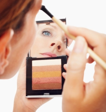 10 Makeup Tips for a Youthful Look